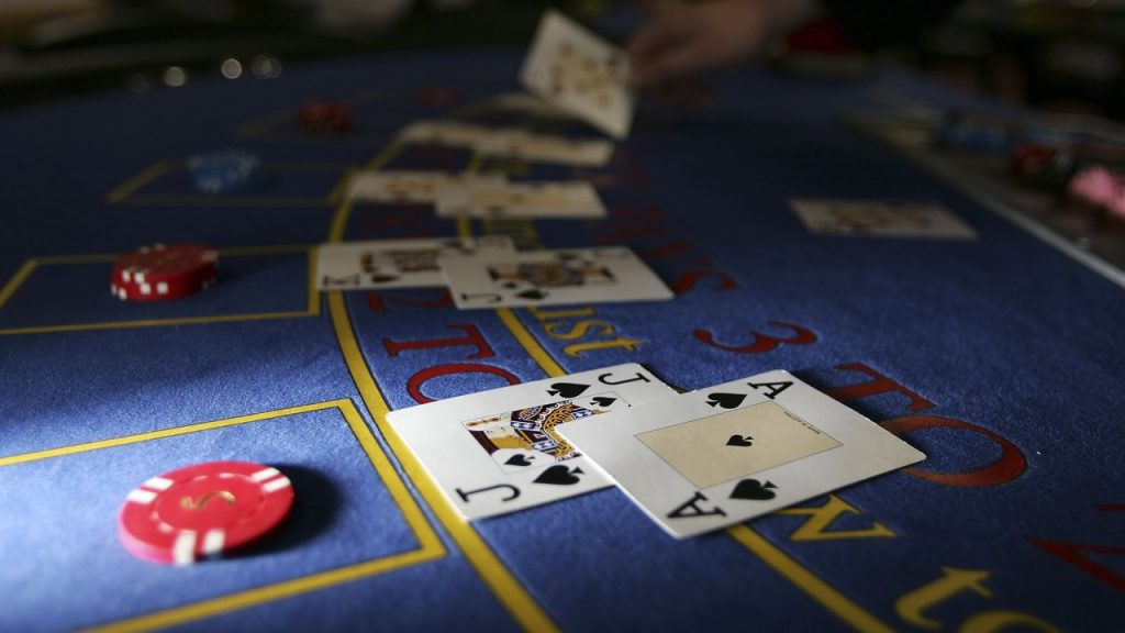 There are many online casinos, and they all offer bonuses in one structure or another.